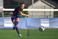 Sari Kees (2) of OH Leuven pictured during a female soccer game between SV Zulte - Waregem and Oud Heverlee Leuven on the sixth matchday of the 2021 - 2022 season of Belgian Scooore Womens Super League , saturday 9 of October 2021  in Zulte , Belgium . PHOTO SPORTPIX | DIRK VUYLSTEKE