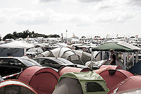 Campingplätze so weit das Auge reicht. Foto: Saskia Gaulke