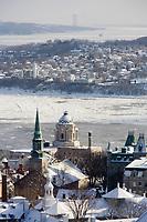 Amérique/Amérique du Nord/Canada/Québec/ Québec: vue sur les toits de la ville Cathédrale de la Sainte-Trinité en fond le Saint-Laurent