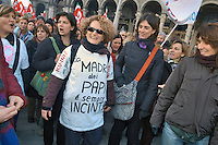 - women's demonstration in defense of law 194 on the abortion<br />