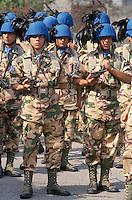 """- Bersaglieri (mechanized infantry ) of the """"Legnano"""" brigade leaving for the UN peace operation in Somalia ....- bersaglieri della brigata """"Legnano"""" in partenza per la missione di pace ONU in Somalia...."""