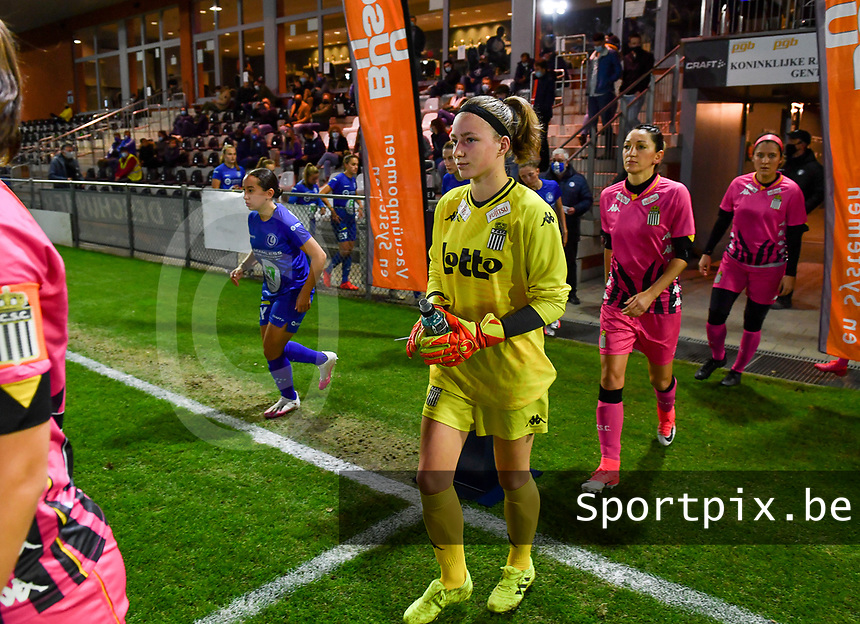 goalkeeper Ambre Collet (1 Charleroi) pictured entering the pitch during a female soccer game between  AA Gent Ladies and Sporting Charleroi Feminin on the fifth matchday of the 2020 - 2021 season of Belgian Scooore Womens Super League , friday 16 th of October 2020  in Oostakker , Belgium . PHOTO SPORTPIX.BE | SPP | DAVID CATRY