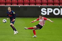 Sunderland's Lynden Gooch crosses during Sunderland AFC vs Blackpool, Sky Bet EFL League 1 Football at the Stadium Of Light on 27th April 2021