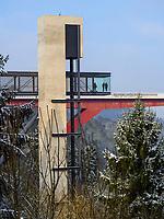 Pfaffenthal mit Lift + Brücke Großherzogin Charlotte, Luxemburg-City, Luxemburg, Europa<br /> Pfaffenthal with Lift and bridge Grand Duchesse Charlotte, Luxembourg City, Europe