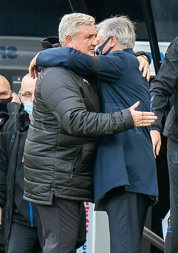 1st November 2020; St James Park, Newcastle, Tyne and Wear, England; English Premier League Football, Newcastle United versus Everton; Carlo Ancelotti hugs Steve Bruce before match