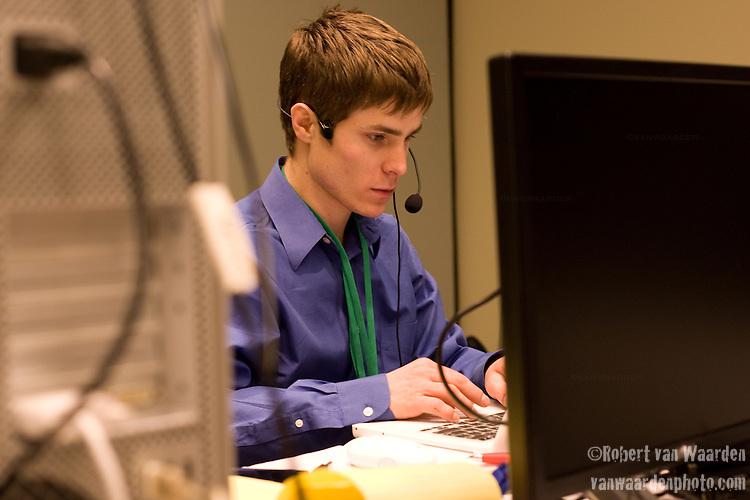 Max Harper, video coordinator at Power Shift '09 (©Robert vanWaarden ALL RIGHTS RESERVED)