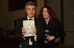 """ALAN ELKANN CON ROSY GRECO<br /> PRESENTAZIONE LIBRO """"L'INVIDIA"""" DI ALAN ELKANN IN CAMPIDOGLIO - ROMA 2006"""