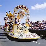 Great Britain, England, Channel Islands, Jersey: The Battle of Flowers | Grossbritannien, England, Kanalinseln, Jersey: Das wichtigste kulturelle Ereignis der Insel ist das Jersey Battle of Flowers