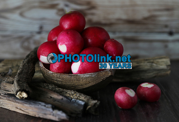 Radishes in a Coconut Bowl<br />