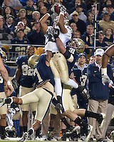 Notre Dame wide receiver Golden Tate (23) makes a leaping catch. The Pittsburgh Panthers defeat the Notre Dame Irish 27-22 at Heinz Field, Pittsburgh Pennsylvania on November 14, 2009..