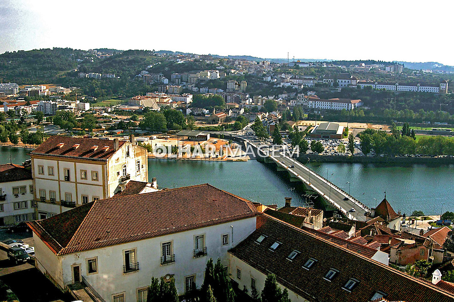 Rio Mondego e cidade de Coimbra. Portugal. 2005. Foto de Rogério Reis.