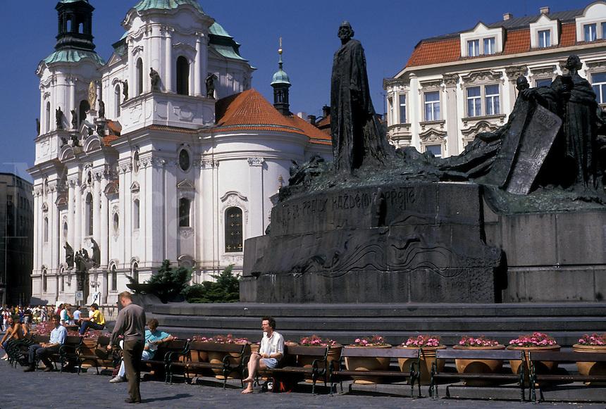 AJ2213, Prague, Czech Republic, Europe, Monument of religious Reformer John Huss in the Old Town Square outside St. Nicholas Church (Kostel Sv. Mikulase) in Prague.