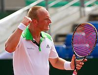17-08-11, Tennis, Amstelveen, Nationale Tennis Kampioenschappen, NTK, Bart de Gier bald zijn vuist, hij verslaat Michel Koning