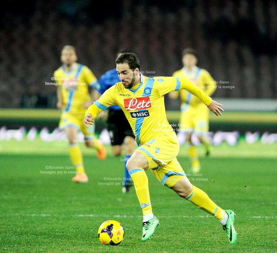 - NAPOLI 25 FEB  -  Stadio San Paolo    Napoli - Genoa<br /> NELLA FOTO:  Gonzalo Higuain