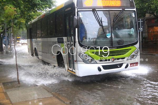 RJ. RIO DE JANEIRO 09.10.19 CLIMA TEMPO Cidade amanhece com chuva e focos de alagamento nesta quarta-feira,  (09).  Foto: (Ellan Lustosa/ Codigo19).