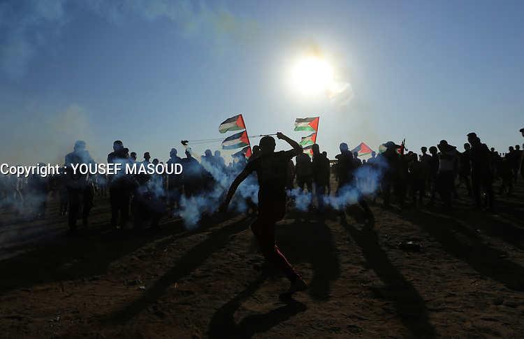 Clashes between Palestinians and the Israeli army continue during an anti-Israeli demonstration at the Israel-Gaza border fence in the southern Gaza Strip. The Palestinian Ministry of Health announced the rise of two Palestinians and injured at least 150 Palestinians during the demonstration of September 6, 2019 <br /> <br /> PHOTO : Agence Quebec Presse  - YOUSEF MASOUD
