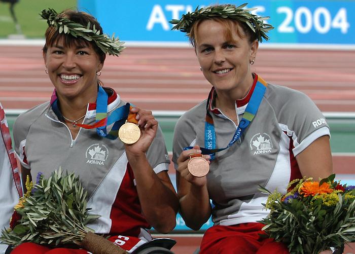 Diane Roy obtient une m?daille de bronze au 1500 m?tres dans la m?me course que Chantal Petitclerc.  (Jean-Baptiste Benavent 24 septembre).