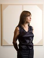 Arabella Campbell de Vancouver, gagnante nationale, remporte le prix de 25 000 $ du neuvième Concours annuel de la peinture canadienne RBC. (Groupe CNW/RBC Groupe Financier)