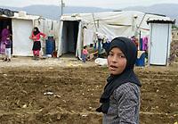 LEBANON Baalbek in Beqaa valley, syrian refugees in tents on farmland / LIBANON Baalbek in der Bekaa Ebene, syrische Fluechtlinge in zelten auf einer Farm