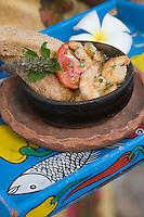 Afrique/Afrique de l'Est/Tanzanie/Zanzibar/Ile Unguja/ Stone Town: Crevettes Unguja, crevettes avec ail, chili, piment recette de Waldema Müggenburg chef du Restaurant Mitoni Marine