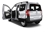 Car images close up view of a 2017 Citroen Nemo  base 5 Door Mini Van doors