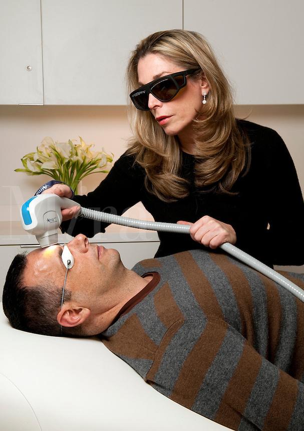 IPL, Intense Pulsed Laser Treatment for damaged skin.