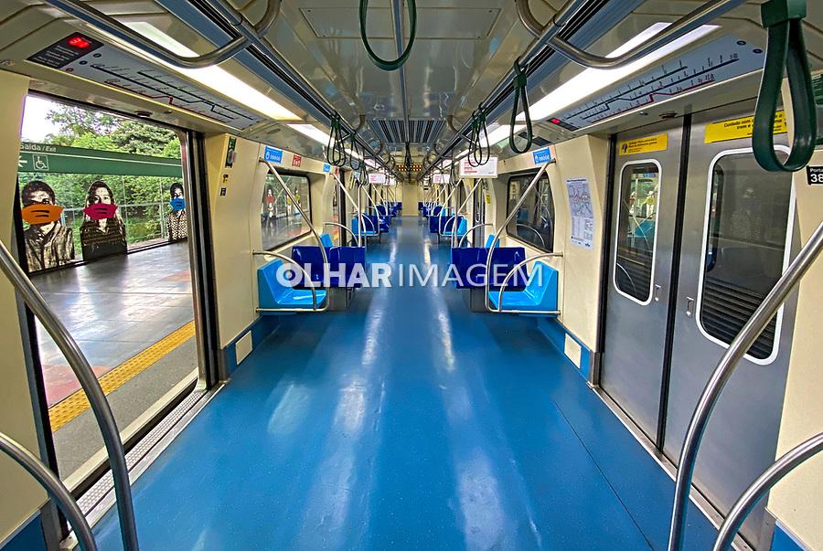 Transporte metroviario. Estação da Luz. São Paulo. 2021 Foto de Juca Martins.
