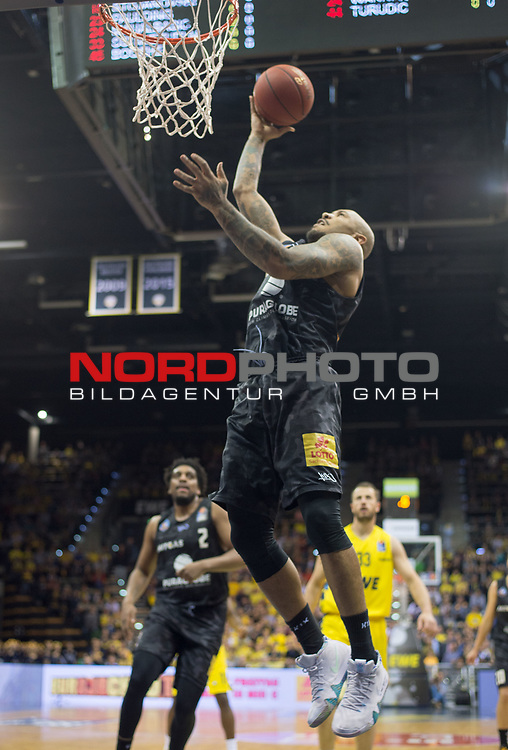 10.05.2019, EWE Arena, Oldenburg, GER, easy Credit-BBL, EWE Baskets Oldenburg vs Mitteldeutscher BC, im Bild<br /> frei zum Korb<br /> Sergio KERUSCH (Mitteldeutscher BC #7 )<br /> Foto © nordphoto / Rojahn