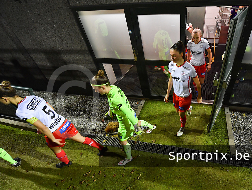 illustration picture showing the players of Zulte-Waregem entering the pitch during a female soccer game between RSC Anderlecht Dames and SV Zulte Waregem on the 10 th matchday of the 2020 - 2021 season of Belgian Womens Super League , friday 18 th of December 2020  in Tubize , Belgium . PHOTO SPORTPIX.BE | SPP | DAVID CATRY