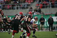 Craig Ochs (Quarterback Frankfurt Galaxy) auf der Flucht