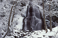 AJ1089, Vermont, waterfall, Water cascades down Moss Glenn Falls in the snow of the Green Mountain National Forest in Granville Gulf Reservation.