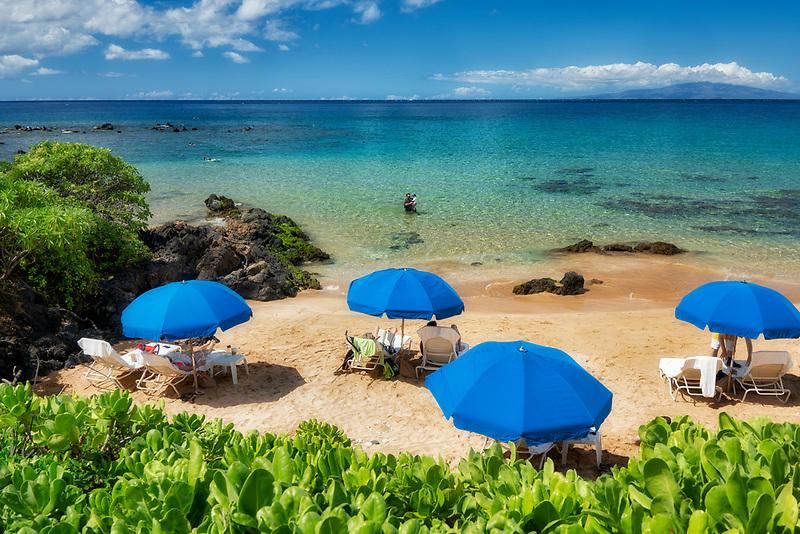 Beach with umbrellas. Maui, Hwaii.