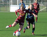 Dames Zulte Waregem - Club Brugge : Pauline Windels in duel met Silke Demeyere.foto Joke Vuylsteke / Vrouwenteam.be