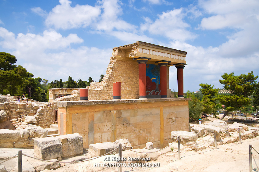Reconstruction of the Minoan palace with columns at Knossos