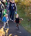 04/10/2010   Copyright  Pic : James Stewart.018_helix_monday  .::  HELIX PROJECT ::  KIDS HEAD OFF TO THEIR TEDDY BEAR PICNIC ::.