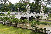 Ipoh, Malaysia.  Bridge over Kinta River, Sultan Iskandar Street.
