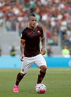 Calcio, Serie A: Roma vs Juventus. Roma, stadio Olimpico, 30 agosto 2015.<br /> Roma's Radja Nainggolan in action during the Italian Serie A football match between Roma and Juventus at Rome's Olympic stadium, 30 August 2015.<br /> UPDATE IMAGES PRESS/Isabella Bonotto