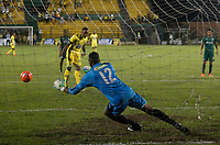 Floridablanca -Colombia,14-05-2017. Action game between Bucaramanga and Equidad during match for the date 18 of the Aguila League I 2017 played at Alvaro Gomez stadium . Photo:VizzorImage / Oscar Martinez  / Contribuidor