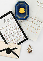 Gifts that Queen Victoria gave to her godchildren have sold at auction for nearly £30,000.
