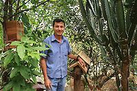 Carlos Vargas, 43-year-old cabinetmaker, he makes hives for a apis melifera and also for stingless bees. In the garden of Grecia, he keep six species of stingless bees.///<br /> Carlos Vargas, 43 ans est ébéniste, il fabrique des ruches pour les abeilles apis et les abeilles sans dard. Dans son jardin de Grecia, il élève 6 espèces d'abeilles sans dard par passion.