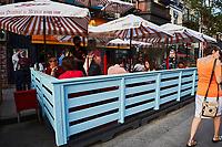 Les montréalais sont de retour sur les terrasses , jun 202, lors du déconfinement<br /> <br /> Montrealers are back on outdoor bars and terrasses, June 2021, as Covid 19 lock down restrictions ease off.<br /> <br /> PHOTO :  Pierre Tran - Agence Quebec Presse