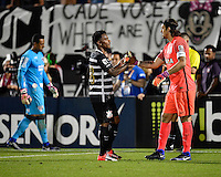 Orlando, FL - Saturday Jan. 21, 2017: Corinthians midfielder Paulo Roberto (28) is congratulated by Corinthians goalkeeper Cassio Ramos (12) after a successful penalty shot during the penalty kick shootout of the Florida Cup Championship match between São Paulo and Corinthians at Bright House Networks Stadium. The game ended 0-0 in regulation with São Paulo defeating Corinthians 4-3 on penalty kicks.
