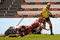 26th September 2020; Toulon, France; European Challenge Cup Rugby, semi-final; RC Toulon versus Leicester Tigers;  Gabin Villiere (RC Toulon) goes over to score his try despite the tackle