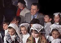 La visita che il grande attore Alberto Sordi di origini Valmontonesi, (Città natale del  padre Pietro) che fece a Valmontone  nel 1996,  I ricordi di quella giornata speciale sono tanti. Sordi raccontò quando da bambino veniva a trovare insieme al padre Pietro sua zia Ginevra e dei suoi buonissimi gnocchi che gli preparava inoltre lo fece particolarmente emozionare la visita della Collegiata dove suo padre Pietro Sordi  fu battezzato.Visita di Alberto Sordi a Valmontone (Roma)13 dicembre 2000.