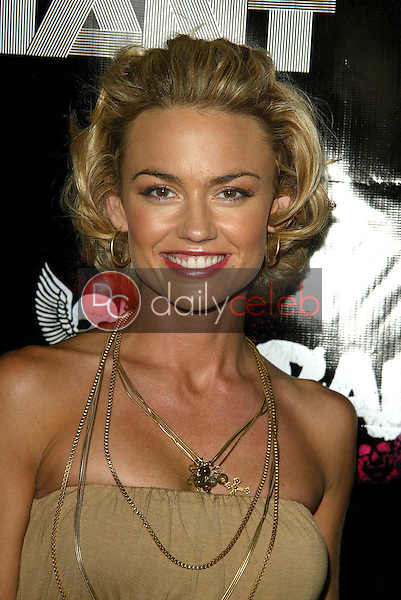 Kelly Carlson<br />