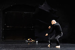 JE DANSE PARCE QUE JE ME MEFIE DES MOTS<br /> <br /> Chorégraphie de Kaori Ito<br /> création 2015 <br /> avec : Kaori Ito (fille), Hiroshi Ito (pe`re) <br /> mise en scène / texte / chorégraphie : Kaori Ito <br /> assistant à la chorégraphie : Gabriel Wong<br /> dramaturgie / soutien à l'écriture : Julien Mages <br /> scénographie : Hiroshi Ito <br /> lumière : Arno Veyrat <br /> musique  : Joan Cambon <br /> Alexis Gfeller <br /> conception des masques / regard extérieur  : Erhard Stiefel <br /> costumes  : Duc Siegenthaler (école de haute couture de Genève)<br /> Cadre : Festival Suresnes Cités Danse 2016<br /> Date : 15/01/2016<br /> Lieu : Théâtre de Suresnes Jean Vilar<br /> © Laurent Paillier / photosdedanse.com