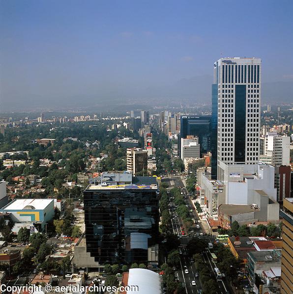 aerial photograph of Insurgentes Avenue, Mexico City | fotografía aérea de la Avenida Insurgentes, Ciudad de México
