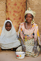 NIGER Zinder, village BABAN TAPKI, people suffer from hunger due to drought and poverty / NIGER Zinder, Dorf BABAN TAPKI, Menschen leiden durch Duerre und Armut an Hunger