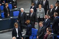 Der Bundestag erinnert am Donnerstag  den 31. Januar 2019 in einer Gedenkstunde an die Opfer des Nationalsozialismus. Der israelische Historiker Saul Friedlaender hielt die Hauptrede. Der 1932 geborene Friedlaender ueberlebte den Holocaust im Versteck. Seine Eltern wurden in Auschwitz ermordet. Friedlaender forschte vor allem zur Geschichte des Nationalsozialismus und zum Schicksal der europaeischen Juden.<br /> Der Bundestag gedenkt traditionell zum Holocaust-Gedenktag der Millionen Opfer des Nazi-Regimes. Am 27. Januar 1945 befreiten Soldaten der Roten Armee das Vernichtungslager Auschwitz.<br /> Im Bild: Foto v.li.: Friedlaender, Bundespraesident Frank-Walter Steinmeier, dahinter li. seine Ehefrau Elke Buedenbender, re. daneben Bundeskanzlerin Angela Merkel).<br /> 31.1.2019, Berlin<br /> Copyright: Christian-Ditsch.de<br /> [Inhaltsveraendernde Manipulation des Fotos nur nach ausdruecklicher Genehmigung des Fotografen. Vereinbarungen ueber Abtretung von Persoenlichkeitsrechten/Model Release der abgebildeten Person/Personen liegen nicht vor. NO MODEL RELEASE! Nur fuer Redaktionelle Zwecke. Don't publish without copyright Christian-Ditsch.de, Veroeffentlichung nur mit Fotografennennung, sowie gegen Honorar, MwSt. und Beleg. Konto: I N G - D i B a, IBAN DE58500105175400192269, BIC INGDDEFFXXX, Kontakt: post@christian-ditsch.de<br /> Bei der Bearbeitung der Dateiinformationen darf die Urheberkennzeichnung in den EXIF- und  IPTC-Daten nicht entfernt werden, diese sind in digitalen Medien nach §95c UrhG rechtlich geschuetzt. Der Urhebervermerk wird gemaess §13 UrhG verlangt.]