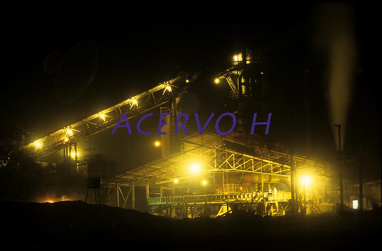 Fábrica de ferro gusa, uma de muitas instaladas na região.<br /> Marabá, Pará, Brasil.<br /> Foto Paulo Santos